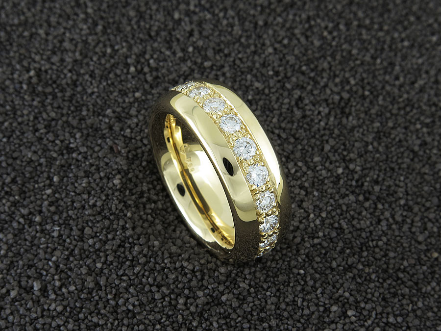 """Classic II"" Alliance, Gelbgold 750, 21 Brillanten 1,60 ct. FG/vs"